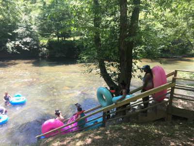 Caryying tubes to the river